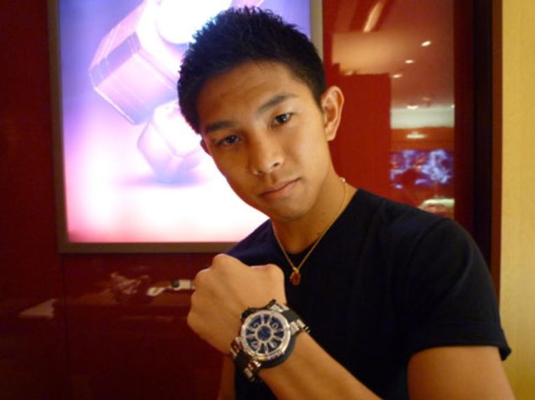 井岡一翔 愛車 腕時計